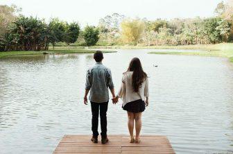 婚活デートで手をつなぐコツ